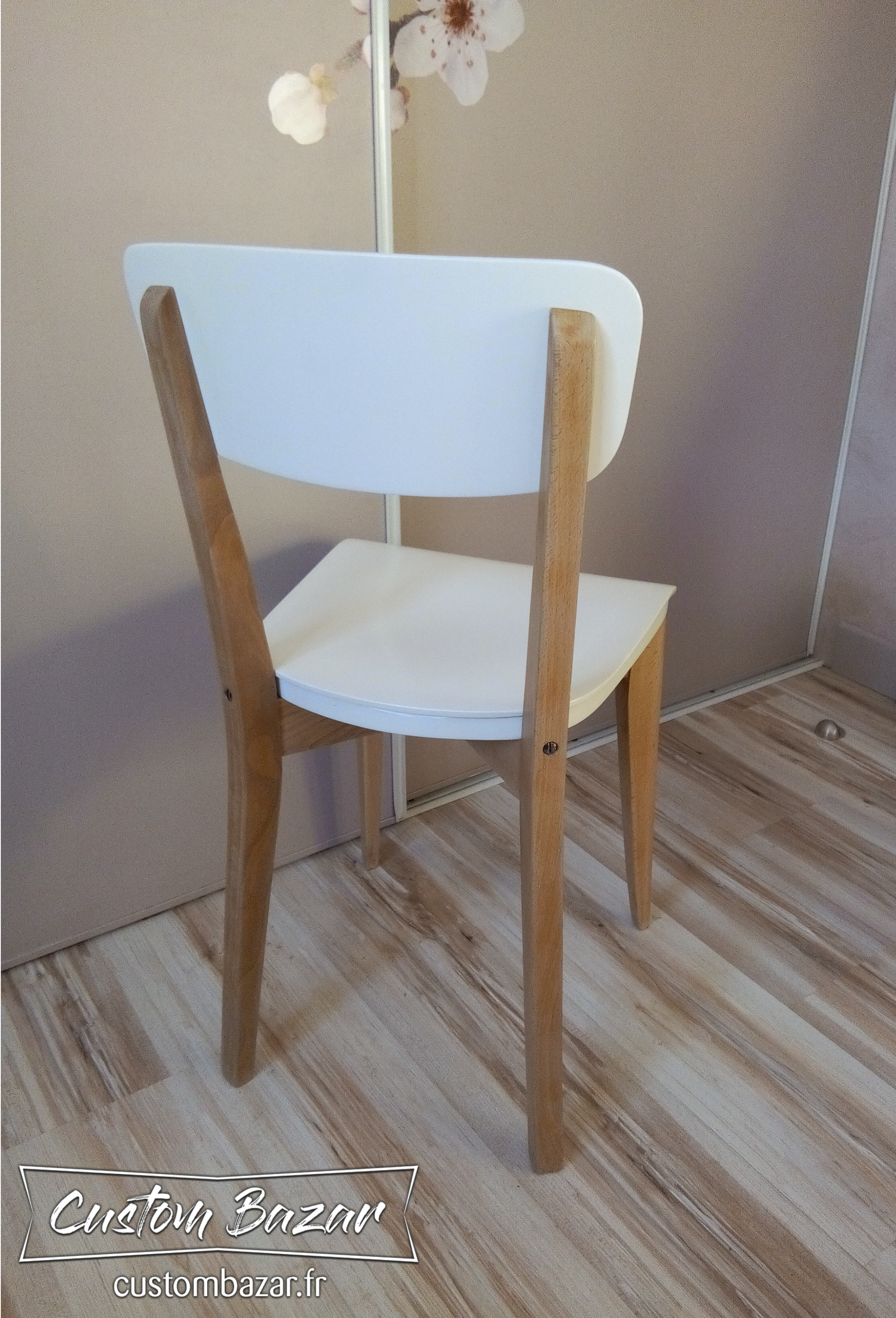 Chaise Bistrot Vintage Relookee Blanc Popeline 3
